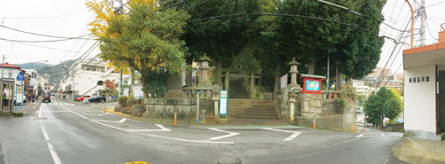 伊豆山神社バス停付近