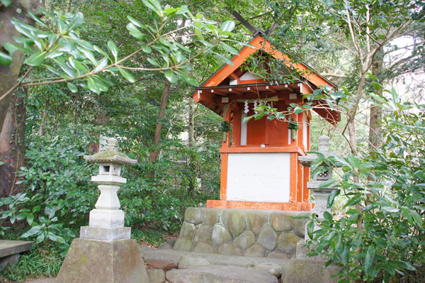 熱海梅園の山神社