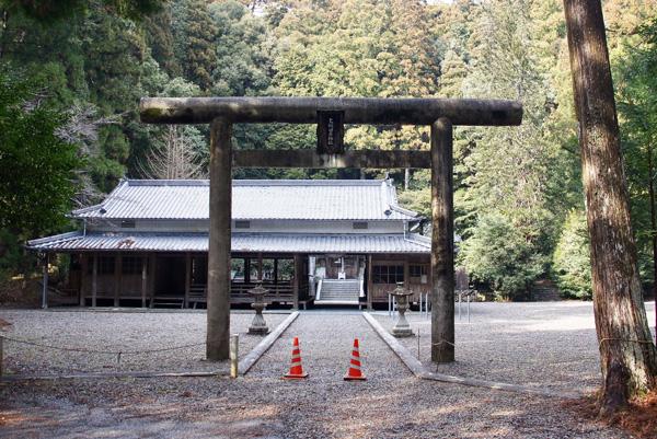 上阿田木神社 鳥居