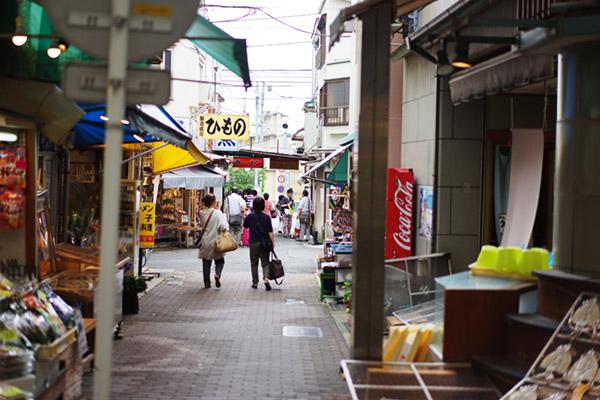 熱海プリン 平和通り商店街の路地を抜けると
