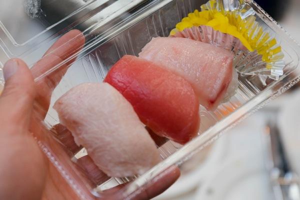 熱海魚祭り14_マグロ握り-02