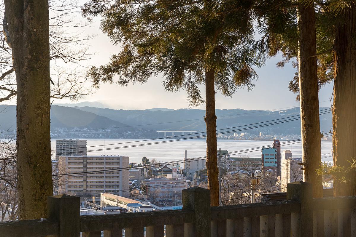 諏訪湖と手長神社-05