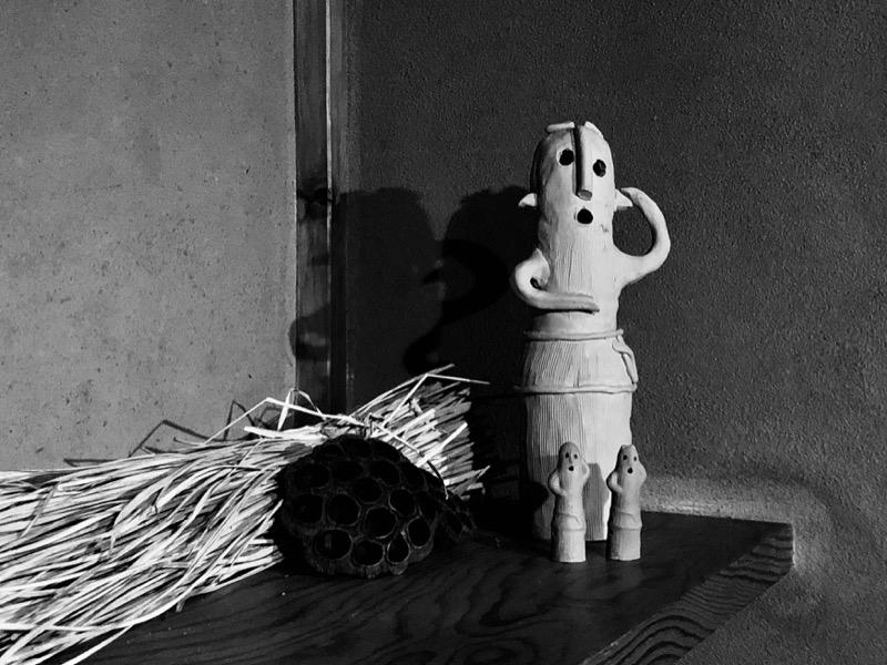 熱海不思議文庫54 埴輪と藁